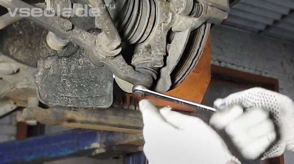 шаровая опора передней подвески Лада Калина