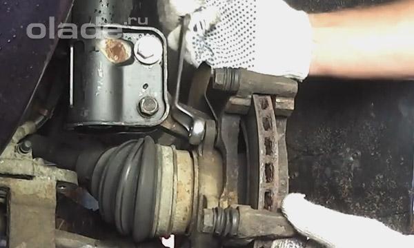 Замена тормозного суппорта лада калина