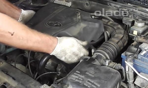 Снять пластиковую защиту двигателя на Ладе