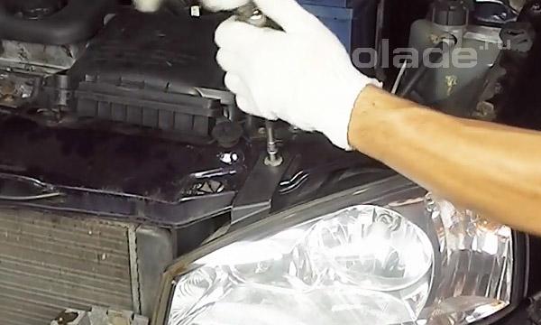 Профилактика блок-фар автомобиля