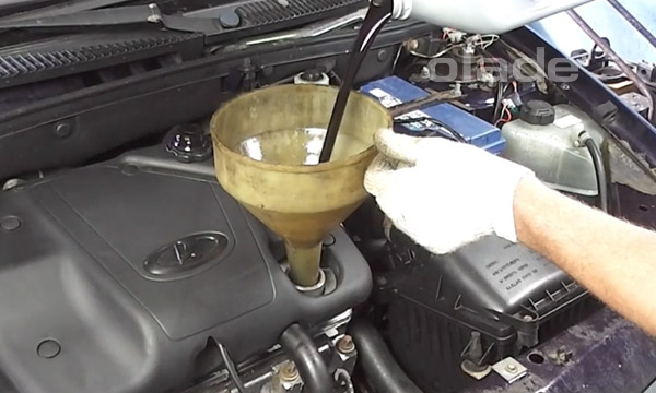 Залить масло в двигатель Лады