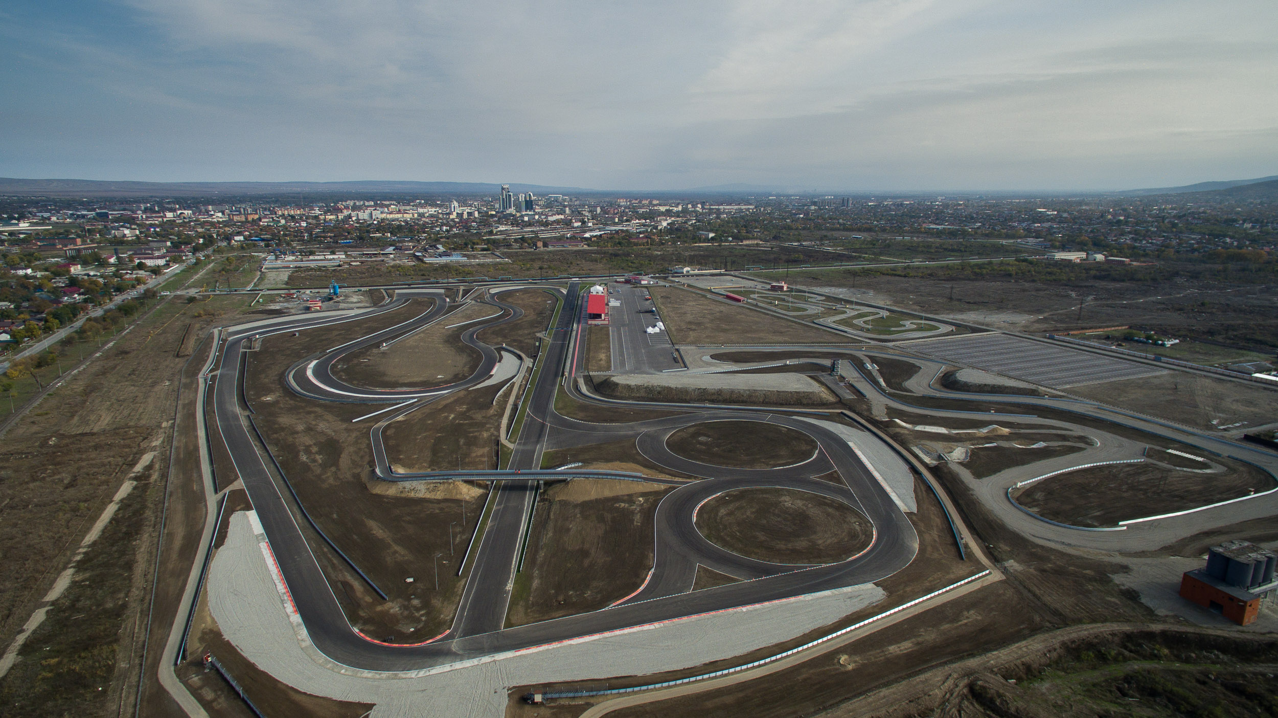 Завод «АвтоВАЗ» и предприятие «Роснефть» спонсируют отечественный цикл кольцевых ралли (фото 4)