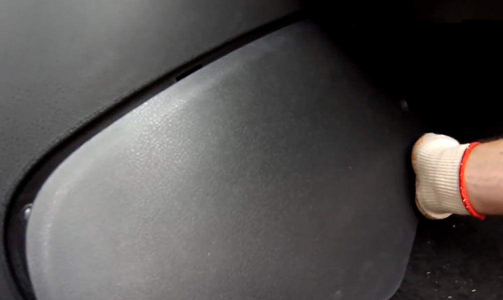 Замена салонного фильтра Lada Vesta (фото 10)