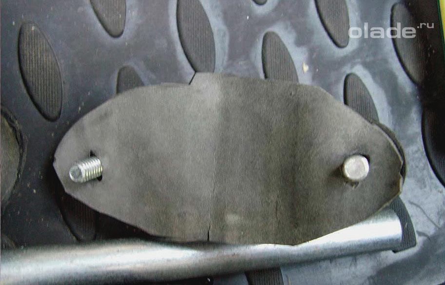 Регулировка замка крышки багажника Лады Гранта (фото 2)