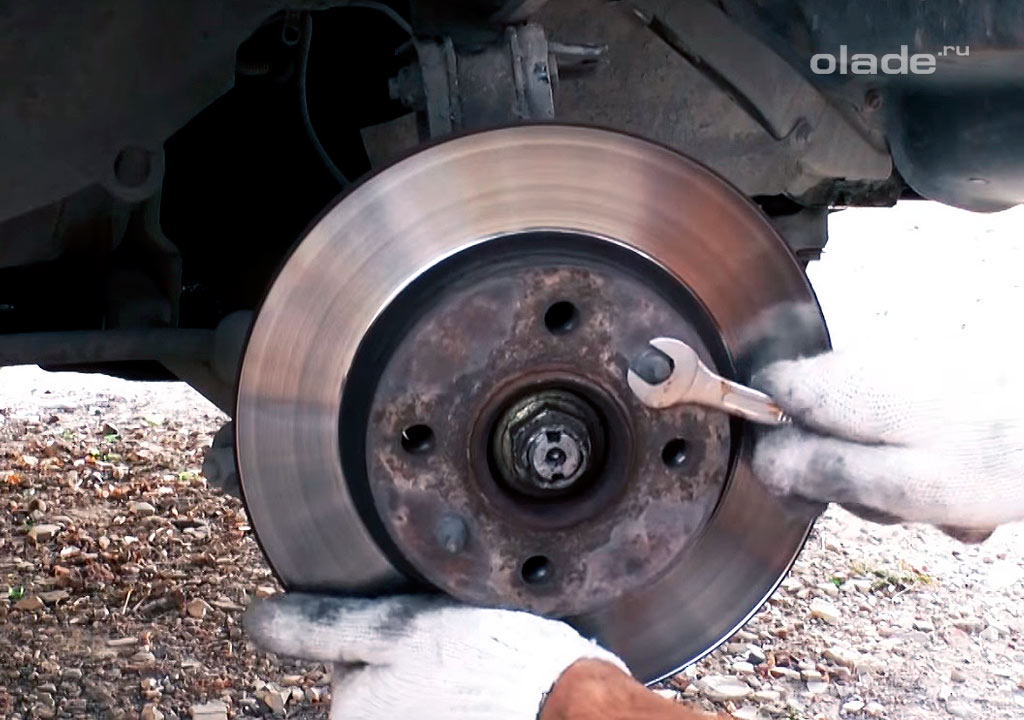 Замена переднего ступичного подшипника на Ладе Гранта (фото 5)