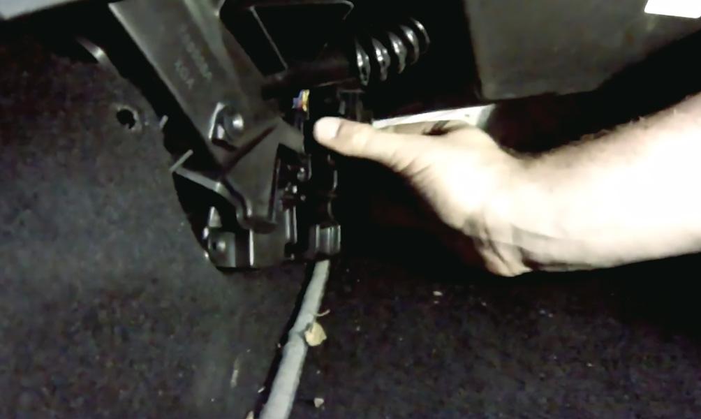 Замена салонного фильтра Lada XRay (фото 7)