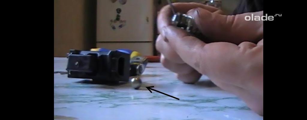 Доработка штатных ограничителей дверей на Ладе Веста, замените упор-грибок шариком от подшипника