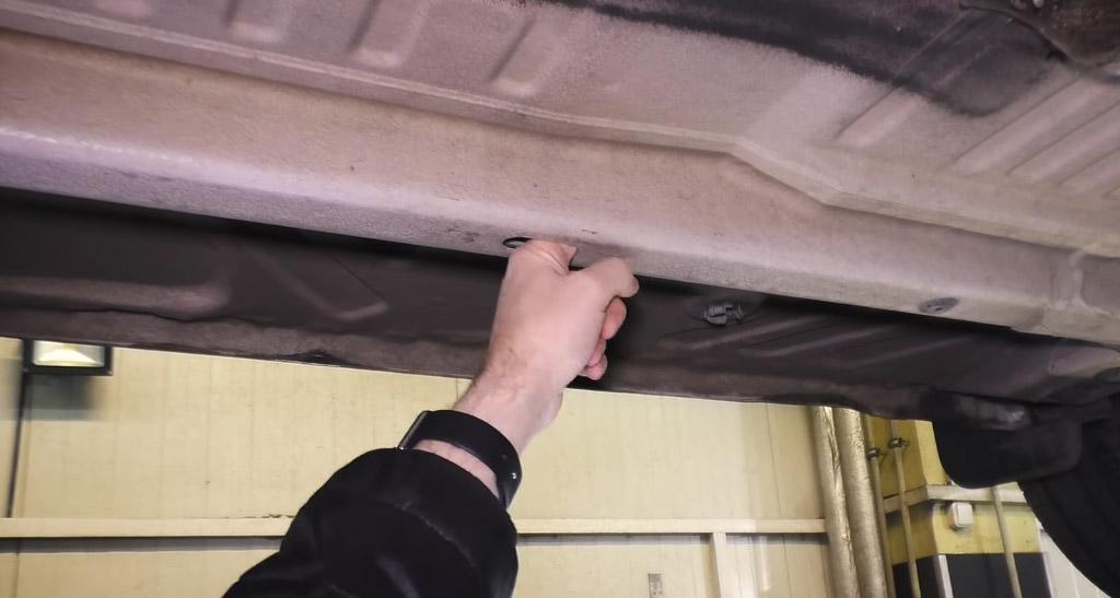 Коррозионная стойкость Lada XRAY: сквозное отверстие