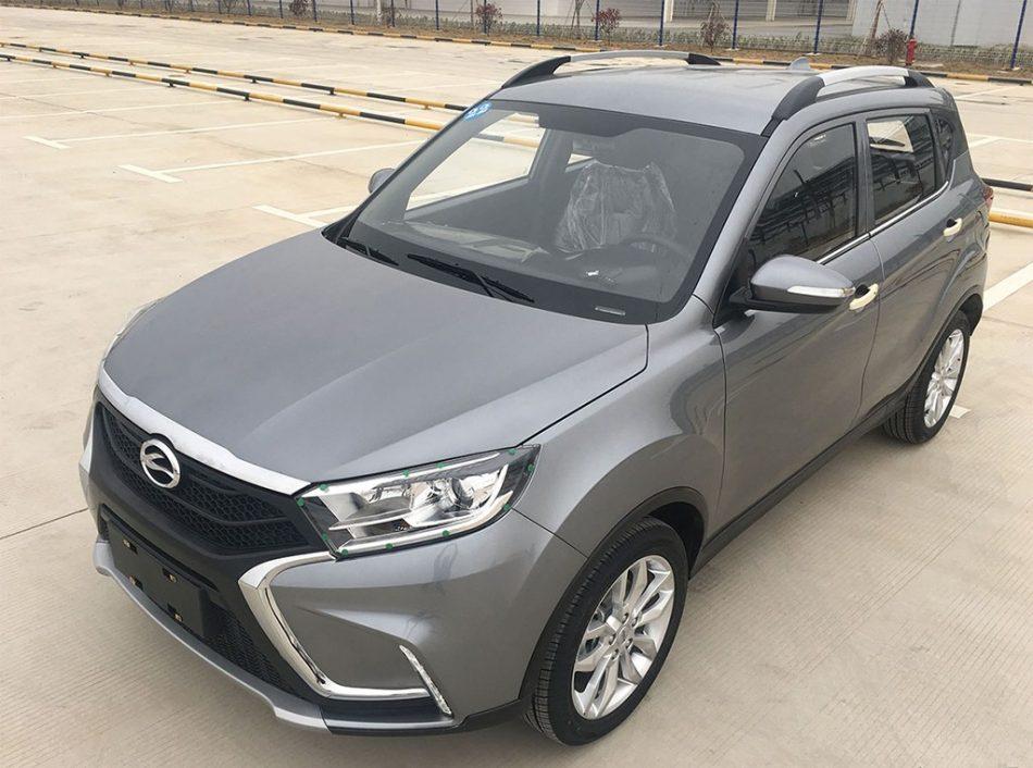 «Лада ИксРэй» вдохновила китайцев на создание похожего автомобиля Landwind X2 (фото 2)
