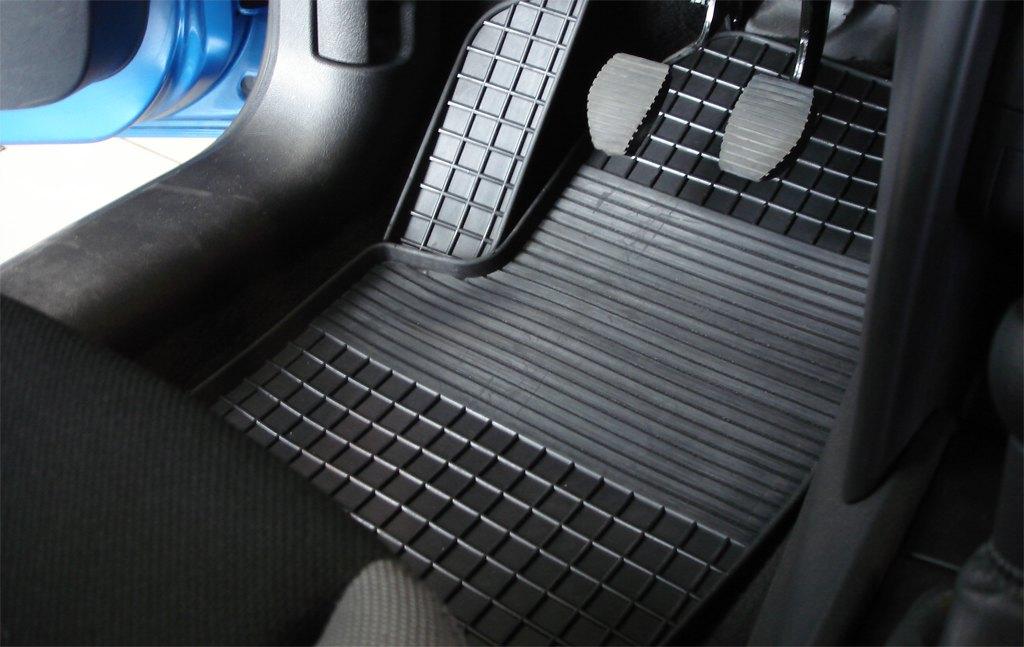 Салонные и багажные коврики для Lada Vesta, резиновый коврик