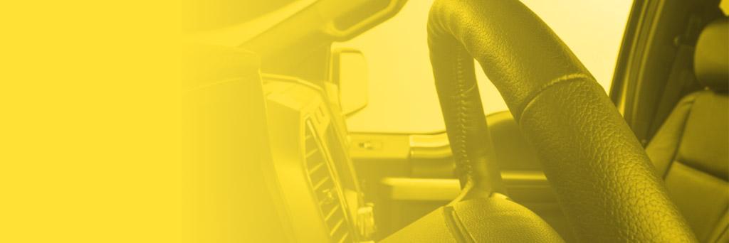 Одиннадцать признаков того, что пробег автомобиля был «скручен», внешнее состояние рулевого колеса, педалей, рычага переключения скоростей