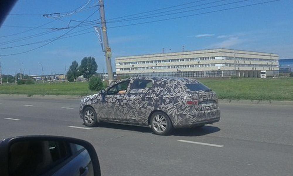 """Тольяттинцы засекли в городе """"Ладу Весту"""" SW Cross (фото 2)"""