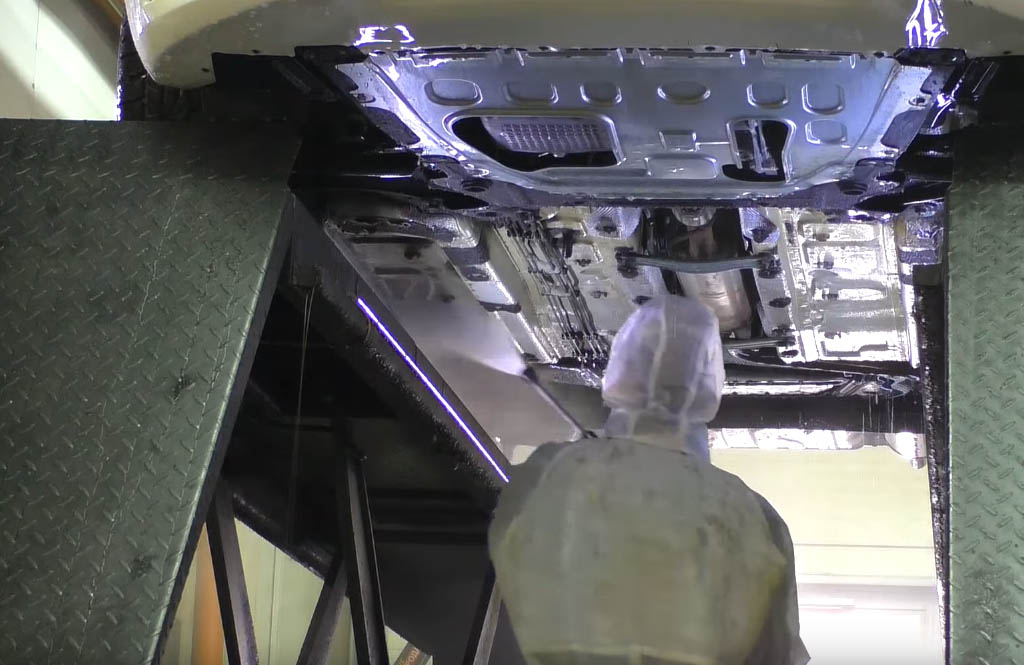 Коррозия на Ладе Веста: промывка днища Лады Веста