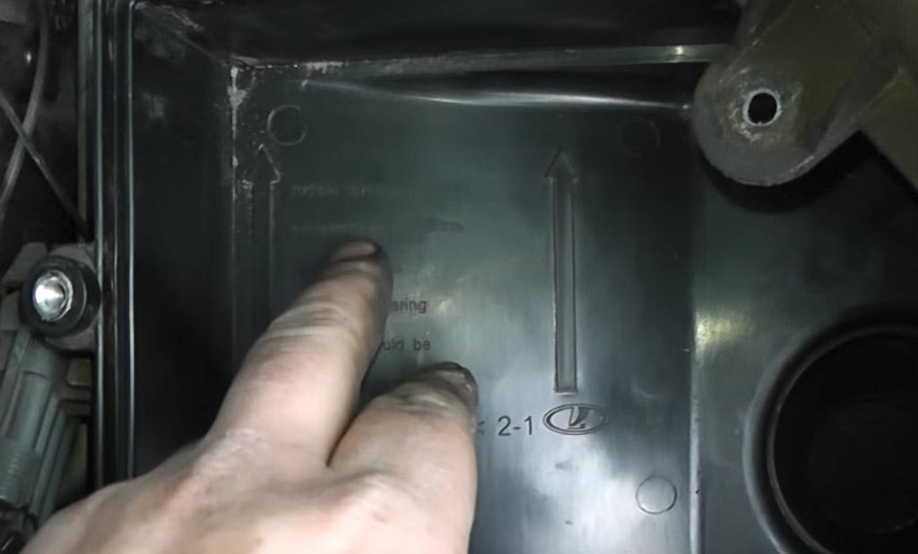 Замена воздушного фильтра на Лада Приора, правильная установка воздушного фильтра
