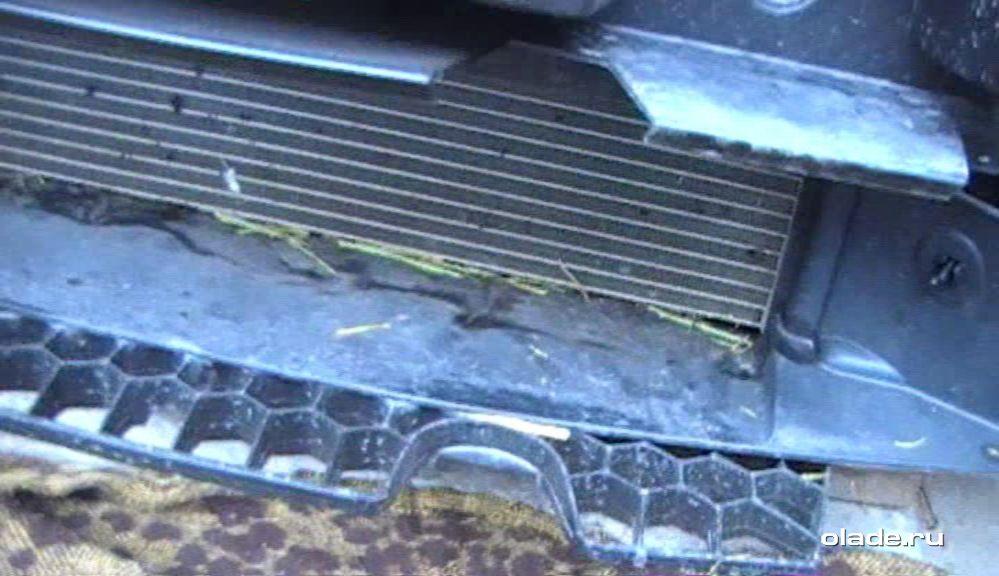 Установка дополнительной сетки на решетку радиатора Лады Веста (фото 9)