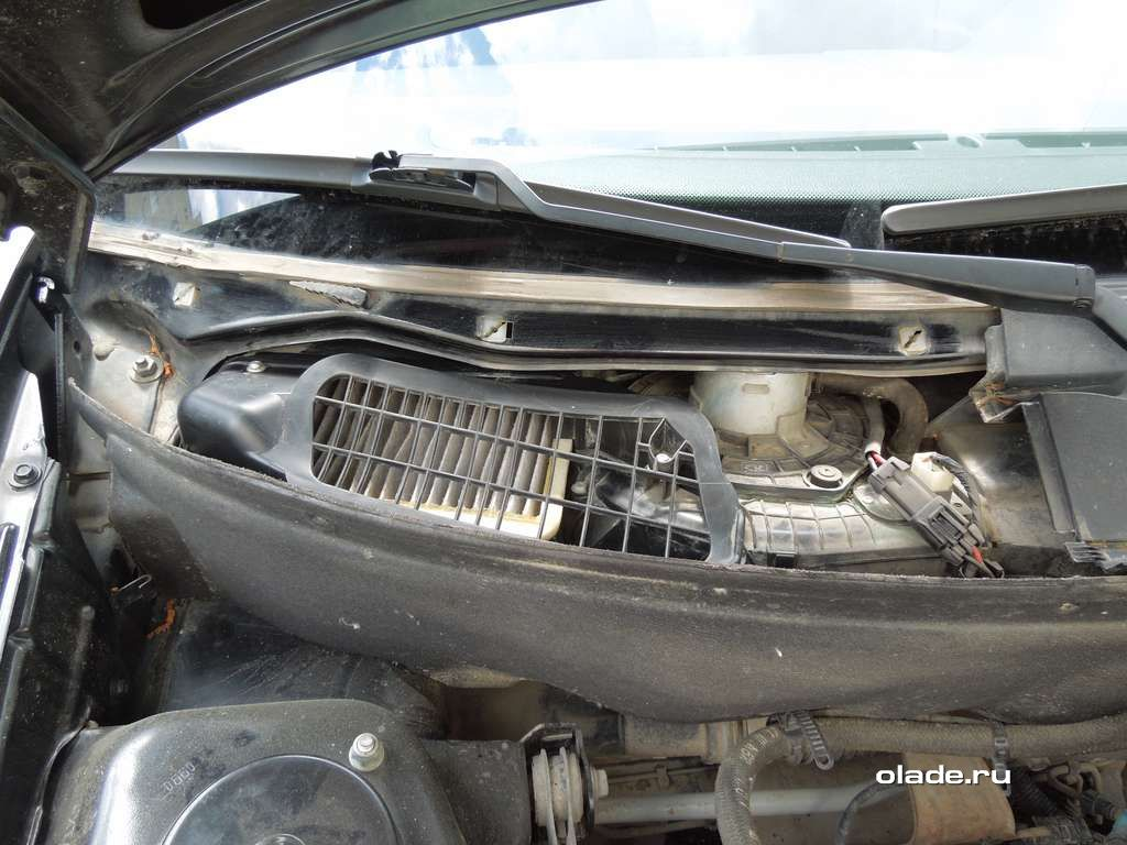 Замена салонного фильтра Лады Приора без кондиционера (фото 9)